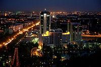 タシケント・タワーから眺めるタシケントの夜景