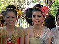 Thai girls in traditional costumes Chiang Mai 2005 032.jpg