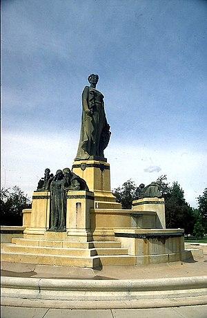 Thatcher Memorial Fountain - Image: Thatcher Memorial Fountain, Denver, Colorado by Lorado Taft 1919