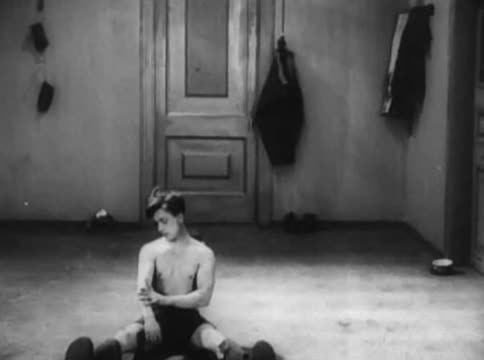 Filethe Girl With A Hatbox 1927webm Wikimedia Commons