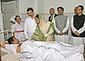 The President, Smt. Pratibha Devisingh Patil consoling a victim of the Mumbai terrorist attack, during her visit the JJ Hospital Mumbai on December 01, 2008 (1).jpg