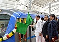 The Union Minister for Urban Development, Housing & Urban Poverty Alleviation and Information & Broadcasting, Shri M. Venkaiah Naidu flagging-off the Metro Rail passenger service between Airport to Little Mount, in Chennai.jpg