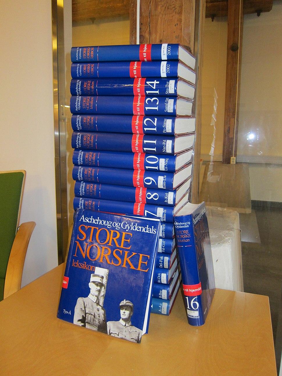 The complete last edition of Aschehoug og Gyldendals Store norske leksikon