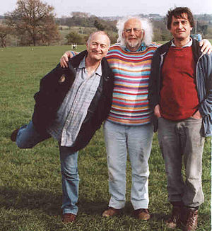 Tony Robinson -  Tony Robinson (left), Mick Aston and Guy de la Bédoyère on a Time Team shoot in 2007.