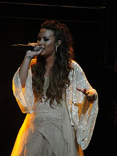 Penampilan Demi Lovato di Club Nokia, Los Angeles, September 2011