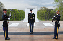 https://upload.wikimedia.org/wikipedia/commons/thumb/3/32/Tomb_of_the_Unknown_Soldiers.jpg/220px-Tomb_of_the_Unknown_Soldiers.jpg