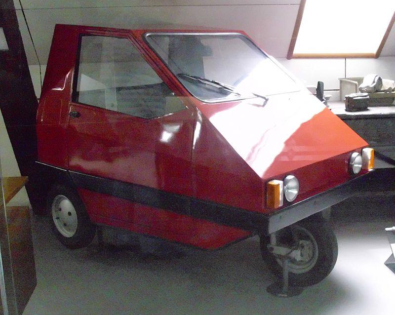 *** Tomos *** 800px-Tomos_Triko_Prototyp_1981-1982