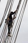 Tonnerres de Brest 2012 - La Recouvrance - Le gabier - 201.jpg