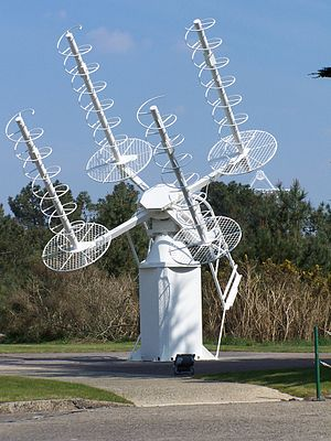 Helical antenna - Array of four axial-mode helical antennas used as a satellite tracking-acquisition antenna, Pleumeur-Bodou, France