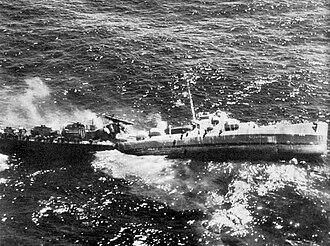 USS Fiske (DE-143) - Image: USS Fiske sinking
