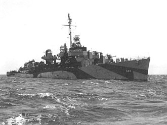 USS Hall (DD-583) - USS Hall (DD-583) at anchor c1944