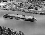 USS Thetis Bay (LPH-6) transiting the Panama Canal in 1963.jpg