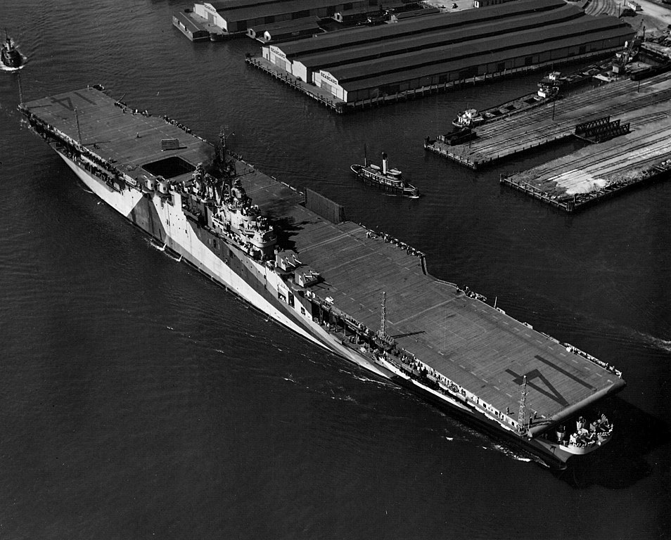 file uss ticonderoga cv-14 at norfolk  may 30  1944 jpg