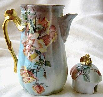 Limoges porcelain - Image: Verseuse porcelaine de Limoges