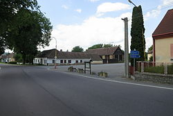 Village square in Budeč, Jindřichův Hradec District.JPG