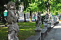 Vipava statues in front of the Lanthieri castle 26092009 166.jpg