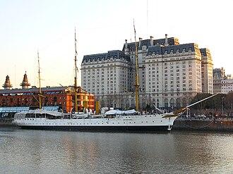 Libertador Building - Image: Vista de Puerto Madero Edificio Libertador