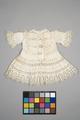 Vit barnklänning. 1800-talets slut - Livrustkammaren - 86891.tif