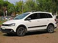 Volkswagen Suran Cross 1.6 2012 (14422101652).jpg