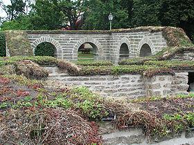 Klostrets restaurerade murar