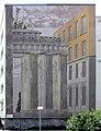 Wandmalerei Robert-Rössle-Str 22 (Buch) Brandenburger Tor&Gert Neuhaus&2004.jpg
