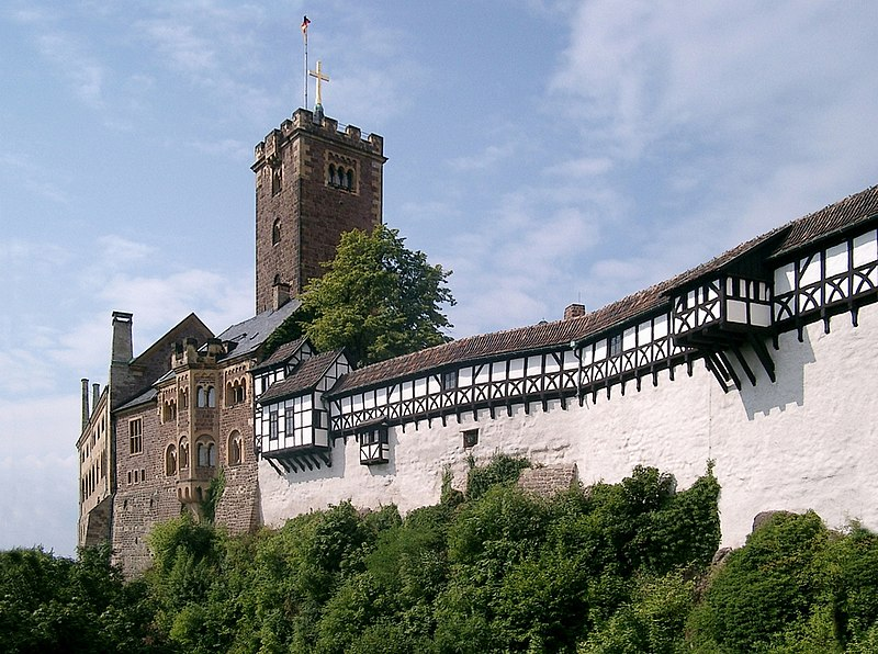 Die Wartburg bei Eisenach thront hoch über der Stadt