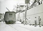 Wharf labourers (4403060678).jpg