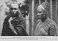 Women in Foumban, Kamerun.jpg