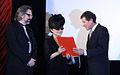 Yoko Ono - Oskar-Kokoschka-Preis 2012 f Karlheinz Töchterle Gerald Bast.jpg