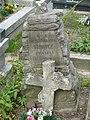 Zabytkowe groby na cmentarzu w Jazgarzewie k. Piaseczna 3.jpg