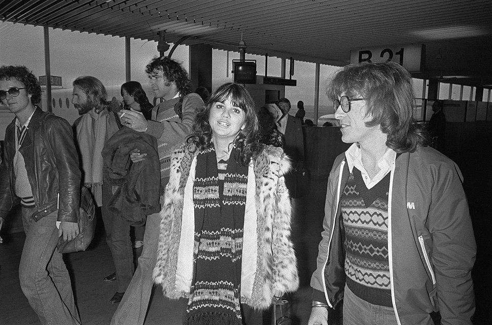 Zangeres Linda Ronstadt op Schiphol, Bestanddeelnr 928-8976
