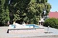 Zbraslavice, kašna na náměstí (2018-07-03; 01).jpg