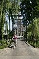 Zicht op de westgevel van de kerk, ophaalbrug op de voorgrond - Saasveld - 20413885 - RCE.jpg