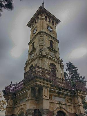 İzmit Clock Tower - Image: İzmit Saat Kulesi yakın