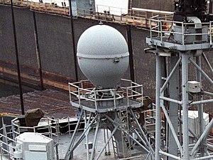 Антенная система CAS на фрегате типа «Оливер Перри».jpg