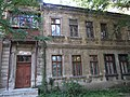 Будинок на розі вулиць Наварінської та Шевченко.jpg