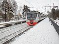 Платформа Некрасовская МЖД с электропоездом ЭД4М-0473.jpg