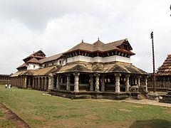 1000-Pillar-Temple-Moodbidri-Left-Side-View