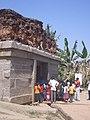 1069 Hampi - Badavilinga Temple 2006-02-20 12-19-52 (10552350983).jpg
