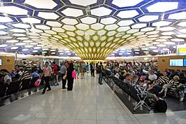 Binnenkant van Abu Dhabi International Airport