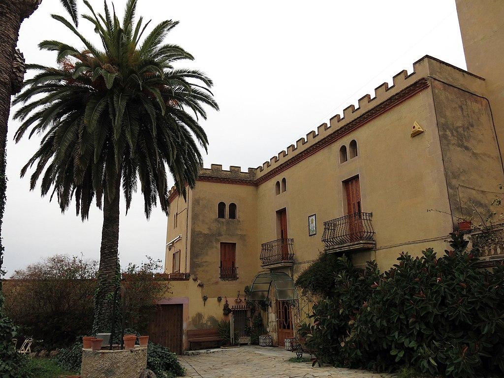 File 185 casa mas lloren del pened s pati fa ana sud for Casa colonica vivente del sud
