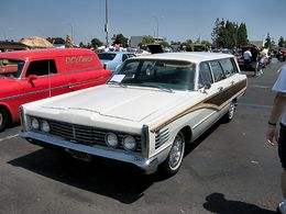 1965 Mercury Colony Park.jpg
