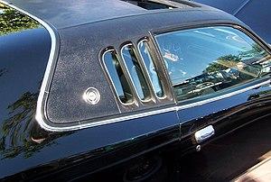 Opera window - Triple opera window on 1973 Dodge Charger SE coupe