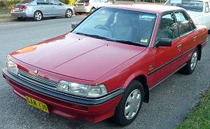 United Australian Automobile Industries - Image: 1991 1992 Holden Apollo (JL) GS sedan (2009 05 09) 01