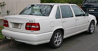 Volvo S70 - Image: 1998 Volvo S70 2.5T sedan (2015 07 09) 02