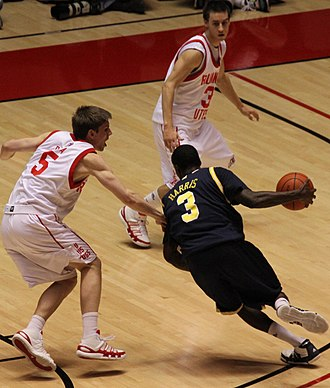 Manny Harris - Harris drives against Utah on December 9, 2009.