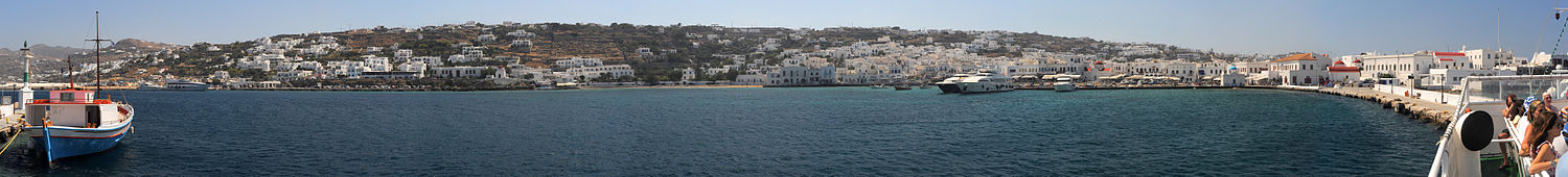Panorama van de haven van Mykonos