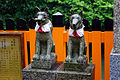 20100714 Fox statues in Fushimi Inari Shrine Kyoto Imgp1627.jpg