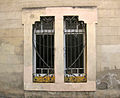 291 Can Puntes (Granollers), finestra c. Espí i Grau.jpg