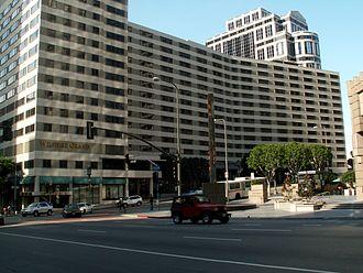 Wilshire Grand Center - Wilshire Grand Hotel, 2006